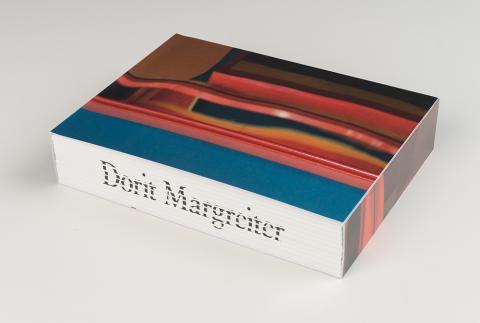 Katalog zur mumok Ausstellung Dorit Margreiter. Really!