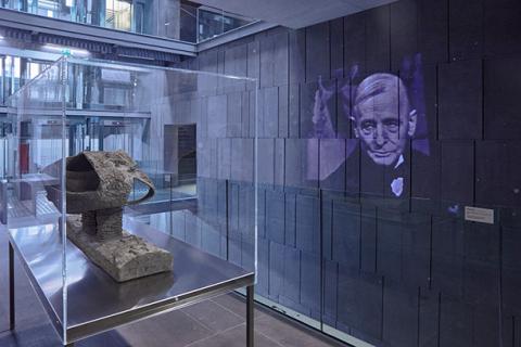 Friedrich Kiesler - die Ausstellung Endless House