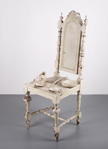 weisser sessel mumok. Black Bedroom Furniture Sets. Home Design Ideas