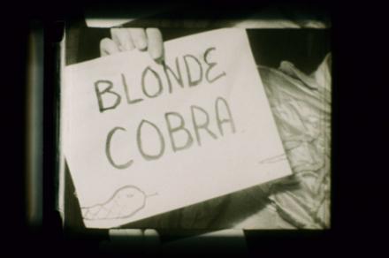 """Ein Filmausschnitt aus """"Blonde Cobra"""" von Ken Jacobs und Bob Fleischner"""