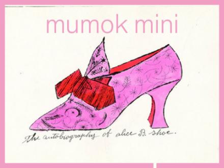 Gezeichneter rosa Schuh mit roter Masche