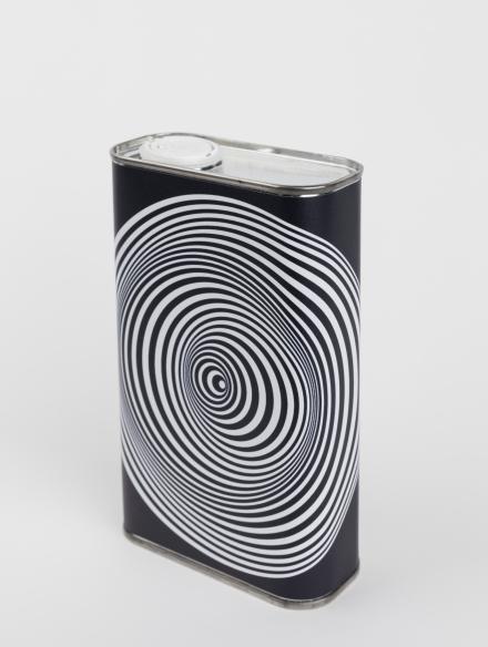 Olivenöl mit Design von Marina Apollonio, weiß- schwarze Spiralen