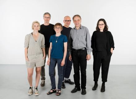 Teamfoto der Kuratoren un Kuratorinen